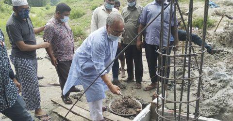 পীরগঞ্জে ব্রীজ নির্মাণ কাজের উদ্বোধন